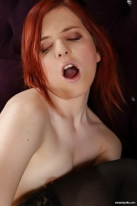Ginger Enjoys Filling Her Cunt With Objects